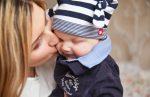 Οι γυναίκες που γίνονται μητέρες αργότερα, ζουν περισσότερο