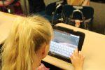 Λιγότερος χρόνος μπροστά στην οθόνη για πιο έξυπνα παιδιά