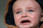 Η αγκαλιά που σταματάει το κλάμα των μωρών!
