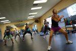 Είναι καλύτερα τα ομαδικά προγράμματα γυμναστικής;