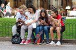 Τα social media ξαγρυπνούν τους έφηβους