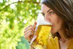 Οι γυναίκες έχουν καλύτερη ψυχική υγεία, αν κόψουν το αλκοόλ