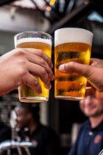ΠΟΥ: Oι Ευρωπαίοι πίνουν πολύ