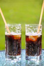 Τι κινδύνους έχει η κατανάλωση πολλών αναψυκτικών;