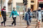 Πώς οι μάσκες μπορεί να λειτουργήσουν ως… εμβόλιο